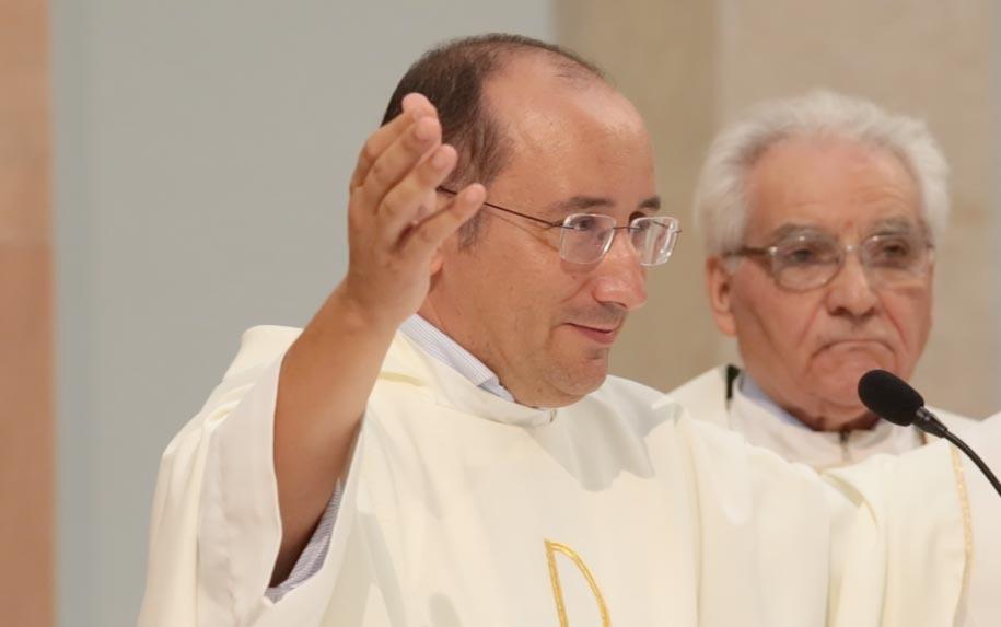 Em memória do padre Ricardo Neves